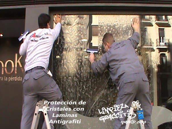 Láminas Antigraffiti en Cristales, Lunas y Escaparates